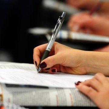 Taxa para diplomas em cursos superiores é considerada ilegal, e alunos de SC serão ressarcidos