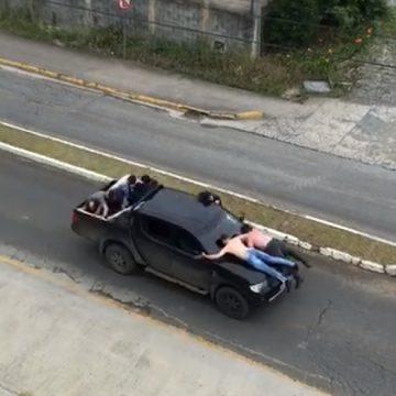 Sete pessoas são feitas reféns e usadas como escudo humano por um grupo criminoso em Vidal Ramos