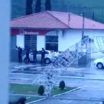 Agência bancária é assaltada em Apiúna
