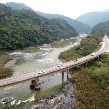 DNIT executa restauração de trecho de 8 km da BR-470, na região