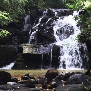 Banhos em rios, cachoeiras e lagos requerem cuidados para evitar acidentes