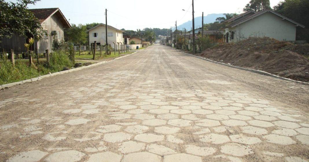 Projeto de pavimentação comunitária deve atender cinco ruas em RSL