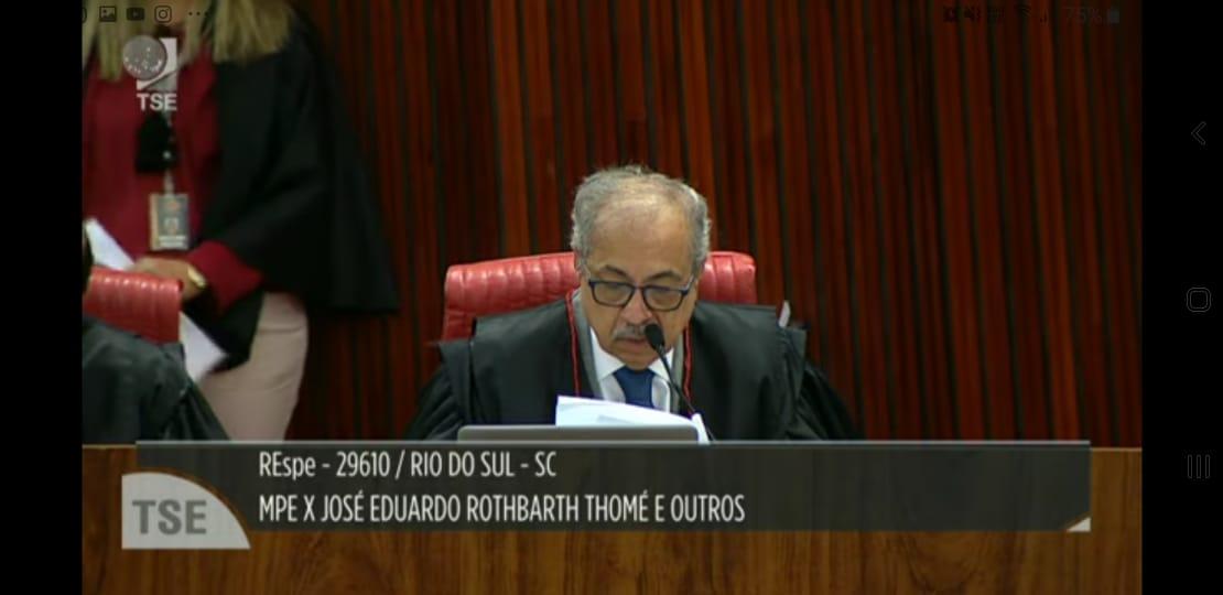 Em novo julgamento do processo por suspeita de Caixa Dois Ministro pede vistas em ação contra o prefeito de Rio do Sul