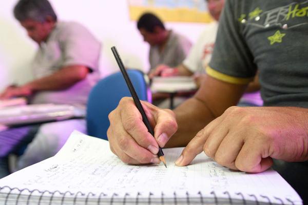 Educação de Jovens e Adultos está com matrículas abertas em Rio do Sul