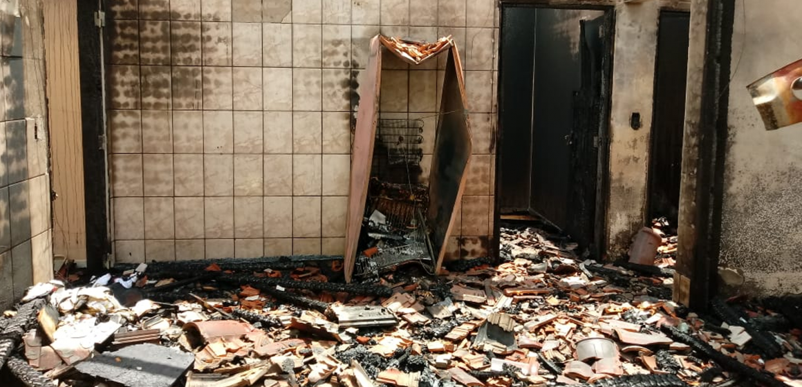 Escoteiros realizam ação social para ajudar família que teve casa incendiada, em Ibirama