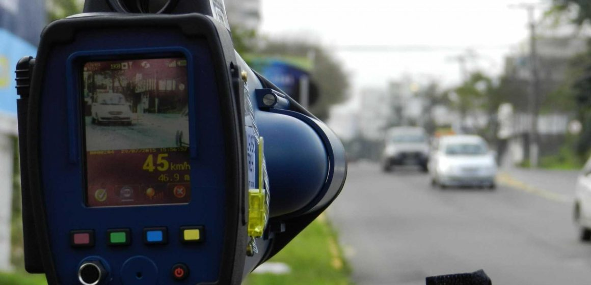 Para tentar coibir excesso de velocidade, Guarda Municipal usa radar em diversos pontos de RSL