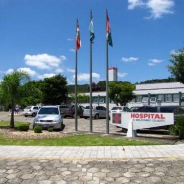 Hospital Waldomiro Colautti tem dois pacientes internados na UTI com suspeita de covid-19
