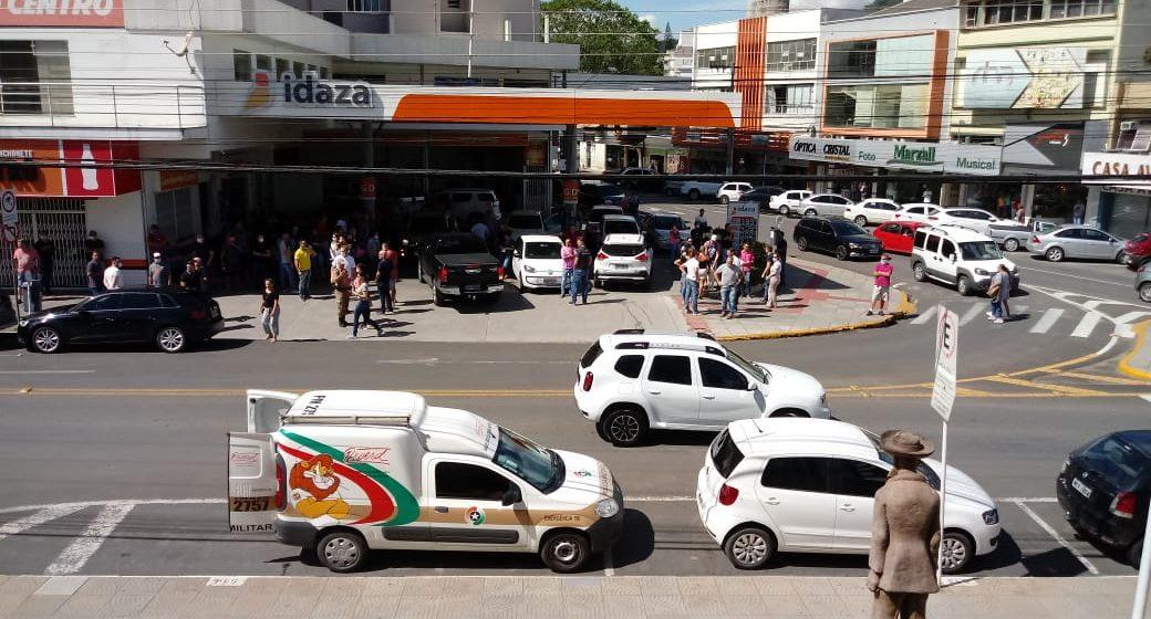 protestos em Rio do Sul pede a reabertura do comércio