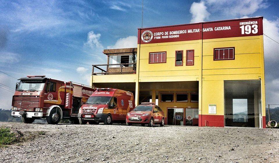 Bombeiros de Pouso Redondo realizam campanha para arrecadação de agasalhos e alimento