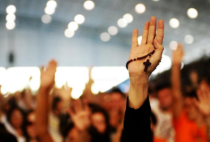 Número de religiosos, em grupo de risco e orientações sanitárias, pode inviabilizar retomada de cultos e missa