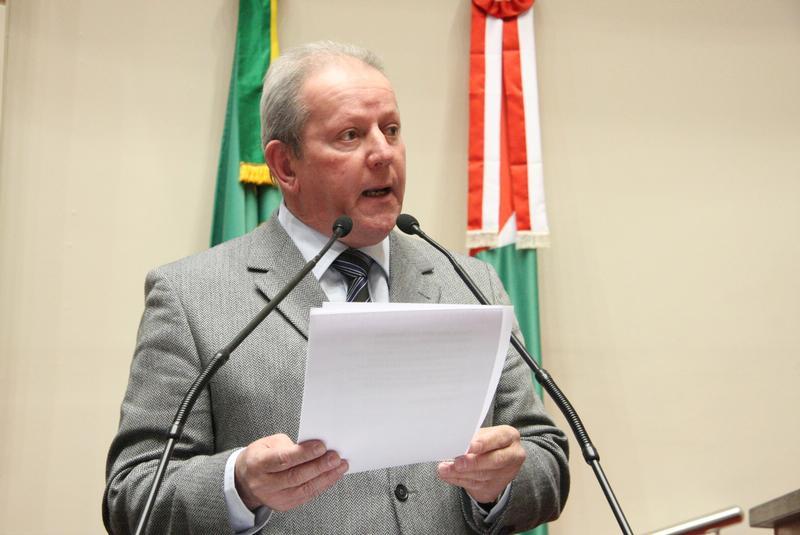 Deputado acredita que seja cedo para pedir impeachment do governador