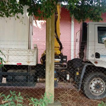 Caminhões doados para a Amavi estão parados e nunca foram utilizados