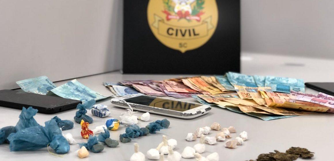 Polícia Civil prende dois traficantes na cidade de Rio do Sul