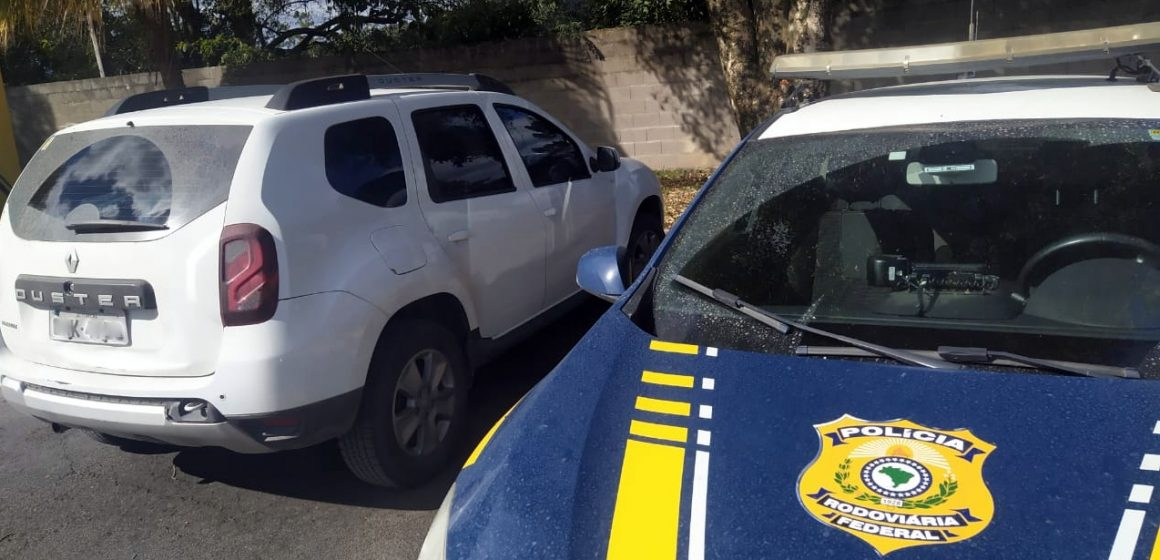PRF localizam veículo furtado e revendido para terceiros na BR 470 em Rio do Sul