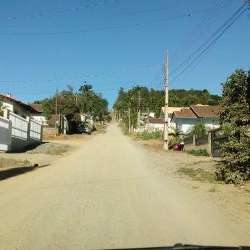 Moradores do Fundo Canoas reclamam de excesso de velocidade de veículos que trafegam pelo local