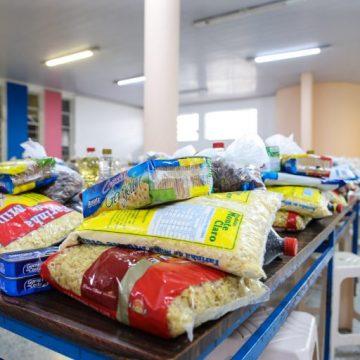 Rede solidária Covid-19 recolhe alimentos para famílias que precisam de auxílio em função da pandemia