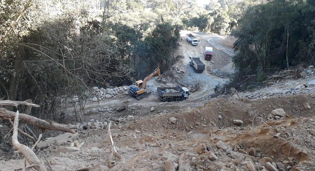 Pavimentação na Serra do Tucano, entre Presidente Getúlio e Rio do Sul, está em fase de conclusão