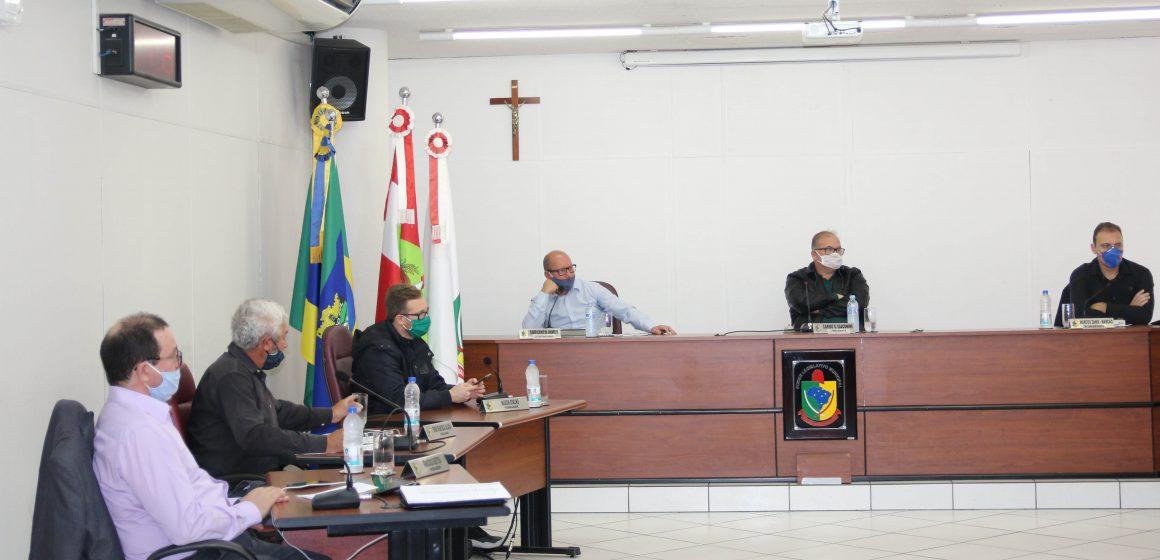 Vereadores de Rio do Sul aprovam projeto que proíbe demissão de professores ACTs durante pandemia