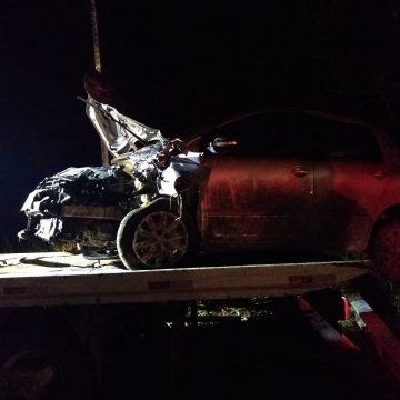 Motociclista morre após bater contra carro em rodovia de Salete