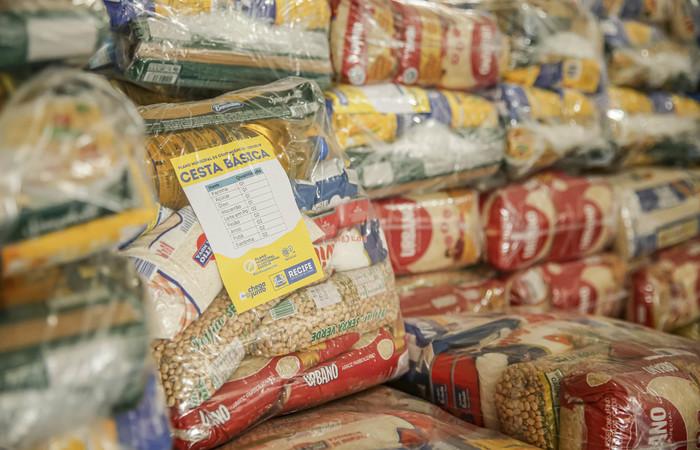 Rede Solidária Covid-10 já entregou mais de 160 cestas básicas para famílias carentes