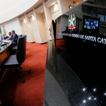 Durante reunião da CPI dos respiradores, servidores da Saúde detalham pagamento antecipado do governo de SC