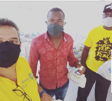 IFC de Rio do Sul doa 400 quilos de feijão para Rotary Club Centenário