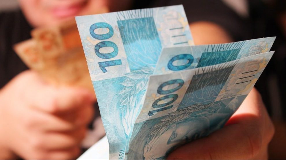Em Ituporanga, dois prefeitos recebem salário ao mesmo tempo somando quase R$ 400 mil em um ano