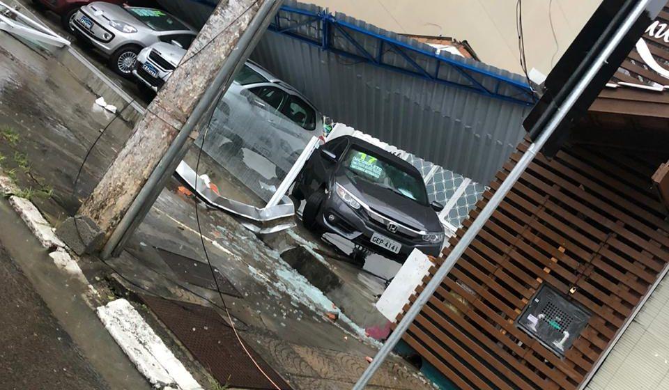 Equipes de segurança, resgate e Defesa Civil de SC levantam prejuízos causados pelo ciclone
