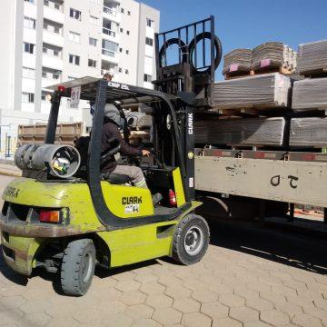 Defesa civil de Rio do Sul recebe telhas e outros materiais para cobertura de casas