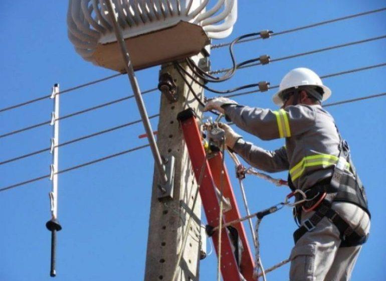 Durou 15 dias o trabalho de recomposição do sistema elétrico no Alto Vale