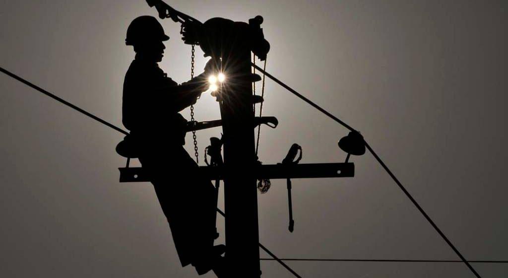 Cerca de 8 mil e 500 unidades consumidoras permanecem sem energia elétrica no Alto Vale