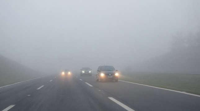 Formação de neblina e execução de obras requerem cuidados ao transitar pela BR-470, no Alto Vale