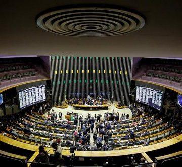 Deputados catarinenses votarão projeto de lei para facilitar trabalho de cerca de 300 atividades consideras de baixo risco