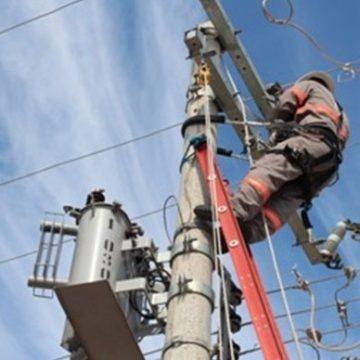 Alto Vale ainda tem 598 unidades consumidoras sem energia elétrica em função do temporal registrado na sexta-feira