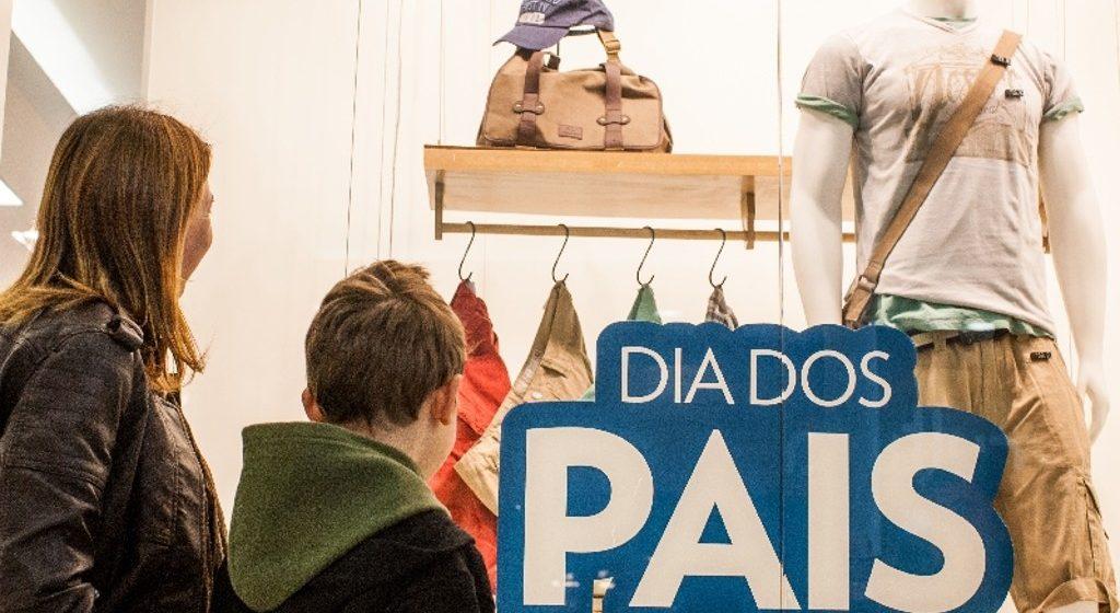 Comércio ficará aberto no período da tarde no sábado, véspera do dia dos pais