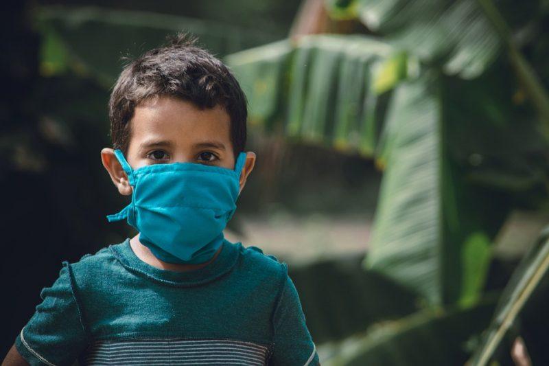 Decisão judicial determina que Estado defina, em 24 horas, medidas contra o coronavírus nas regiões em risco gravíssimo