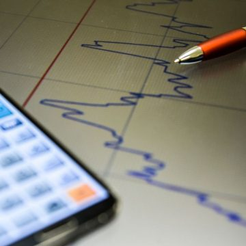Com redução da taxa básica de juros para 2%, são esperados efeitos positivos para a economia catarinense