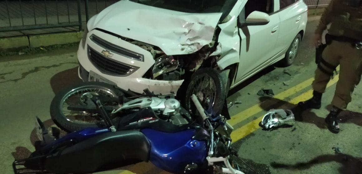 Colisão entre moto e carro deixa homem ferido em Ibirama
