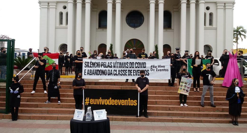 Setor de entretenimento e eventos realiza manifestação pacífica em Rio do Sul