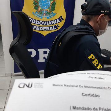 PRF cumpre mandado de prisão em Lontras, na BR-470