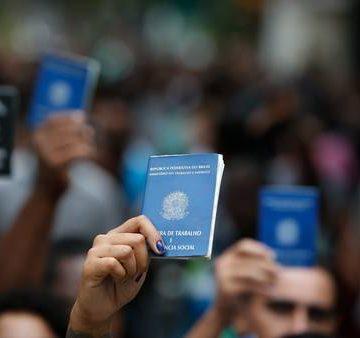 Guedes diz que desoneração da folha de pagamento vai permitir criar mais empregos