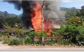 Incêndio consome casa de 80 metros em Ibirama