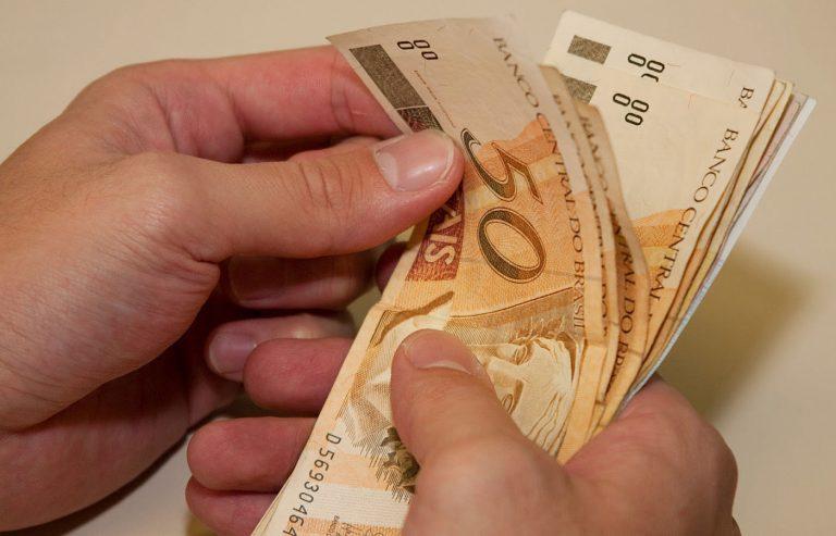 A partir de janeiro, Governo enviará orçamento ao Congresso com valor do salário mínimo de R$ 1.067