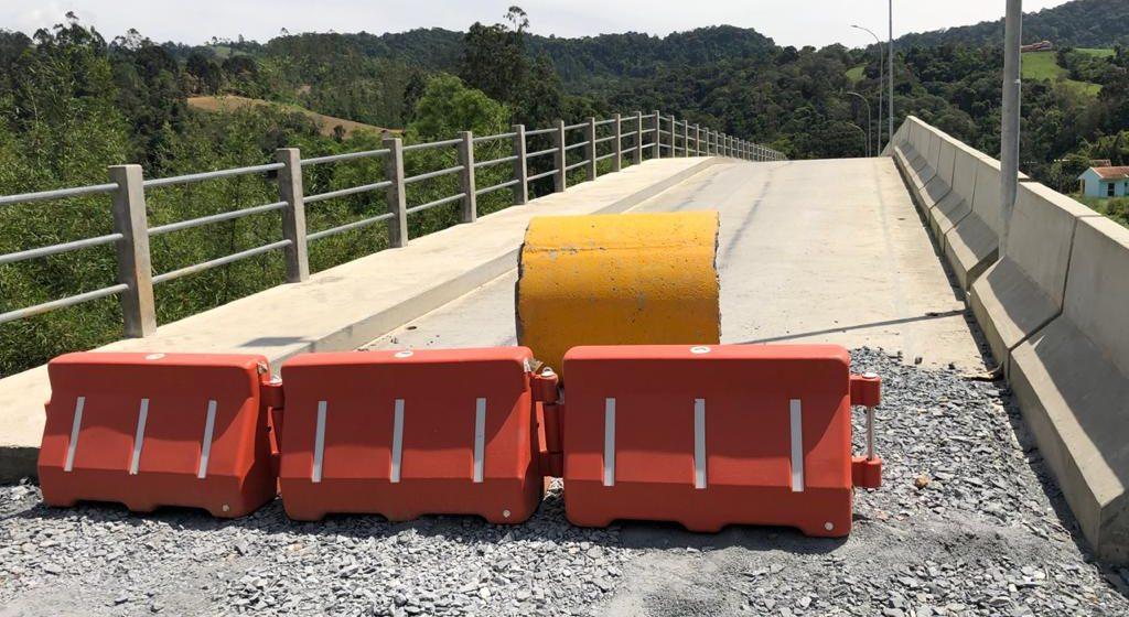 Liberação do tráfego na ponte que liga os bairros Bonfim e Albertina deve ser feito em 30 dias