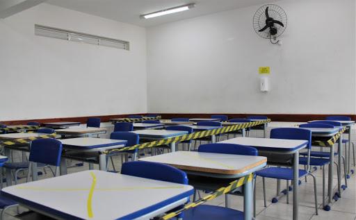 Com classificação amarela, região pode retomar eventos sociais e aulas presenciais em escolas particulares