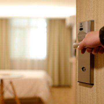 Feriado de Nossa Senhora Aparecida deve ter ocupações mais elevadas na hotelaria catarinense