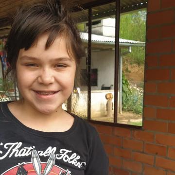 Familiares arrecadam dinheiro para fazer cirurgia em criança de nove anos