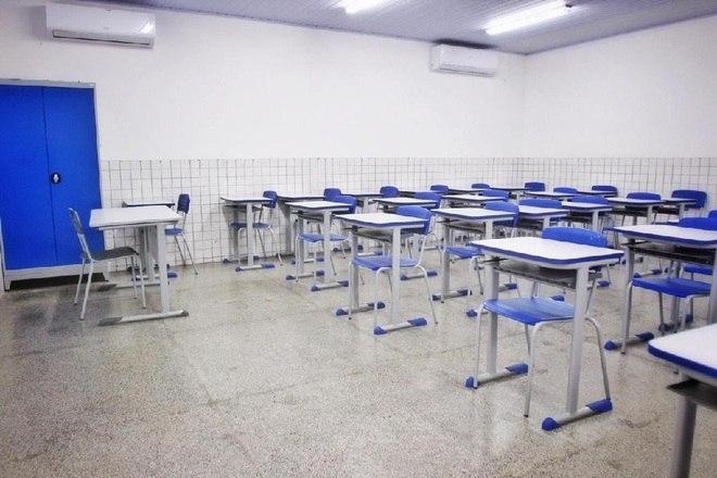 Portaria de SC libera ensino presencial nas escolas particulares mesmo nas regiões com o nível gravíssimo na matriz de classificação de risco