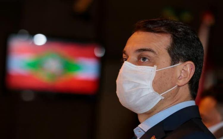 Carlos Moisés deve voltar imediatamente a ser governador de SC