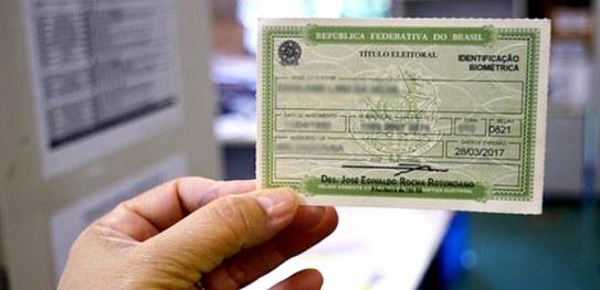 Eleitores que não votaram devem regularizar a situação junto à Justiça Eleitoral